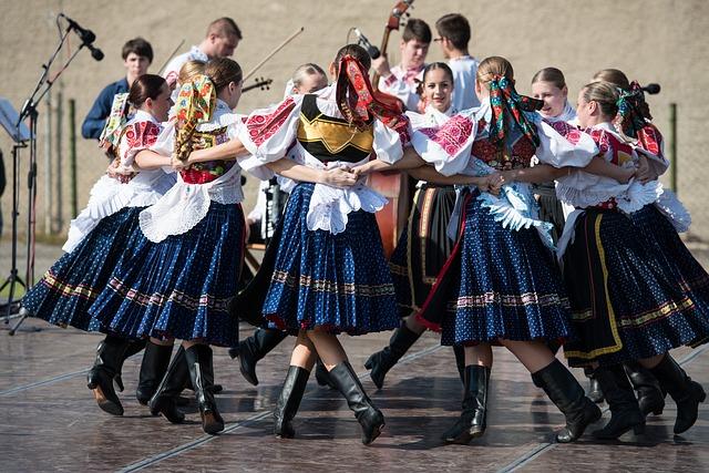 folklórové  tanečnice