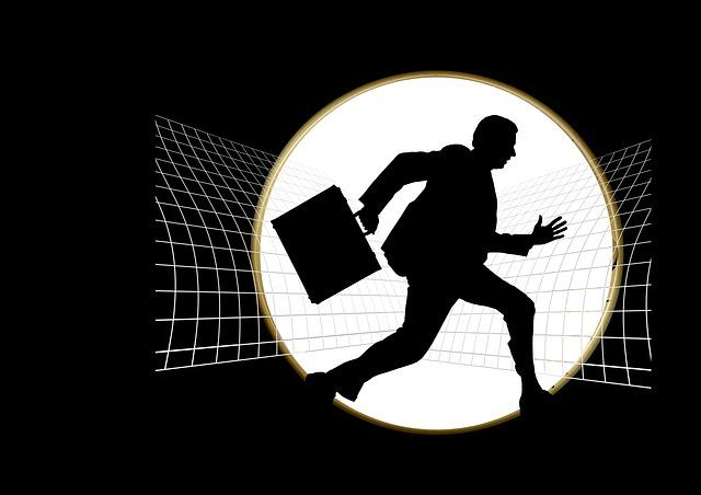 silueta běžícího muže